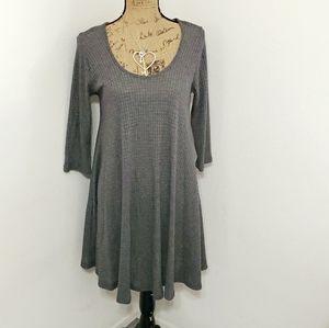 🆕️Alya•Francesca's•NWT • gray swing tunic top
